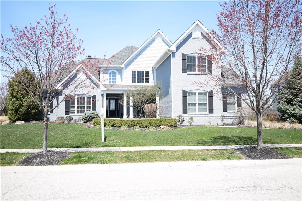 Photo of home for sale at 6572 Braemar Avenue S, Noblesville IN