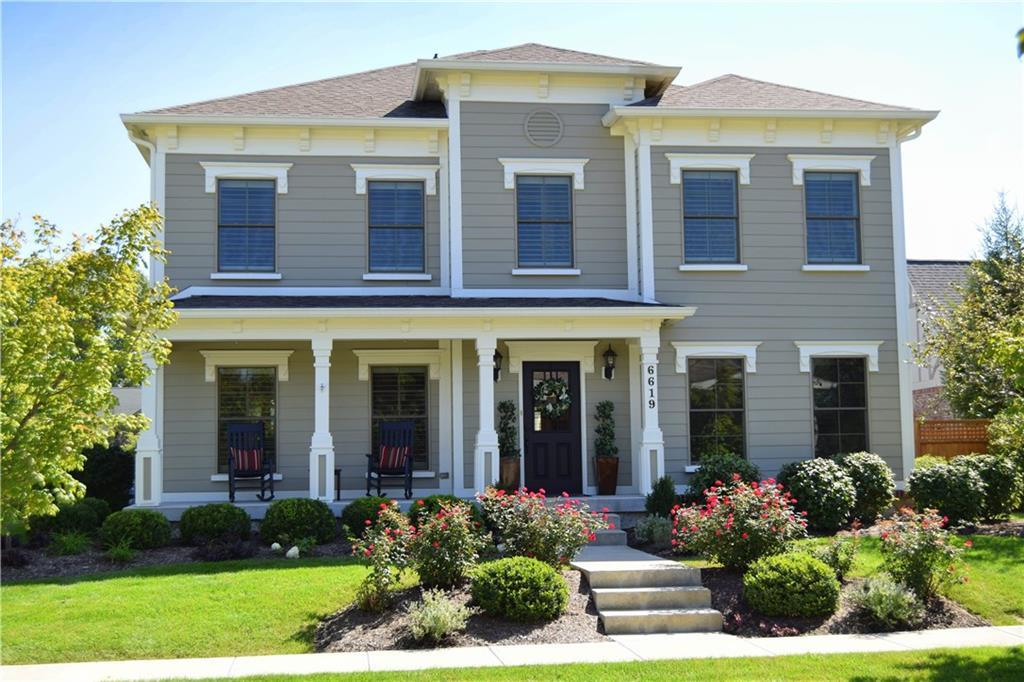 Photo of home for sale at 6619 Regents Park Drive, Zionsville IN
