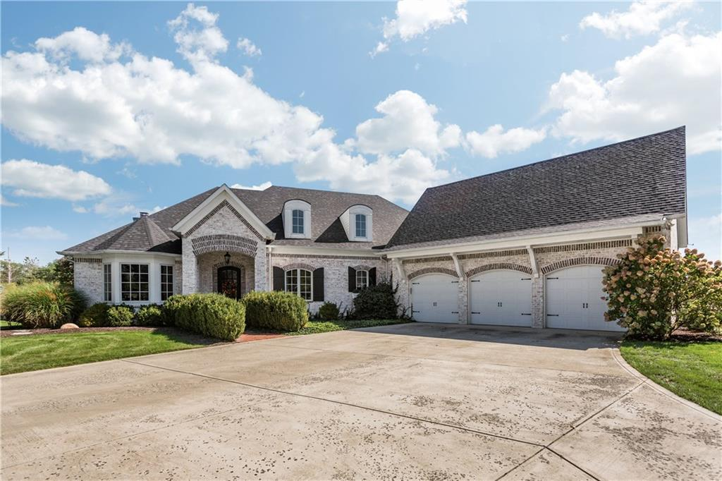 Photo of home for sale at 10711 East 300 S, Zionsville IN