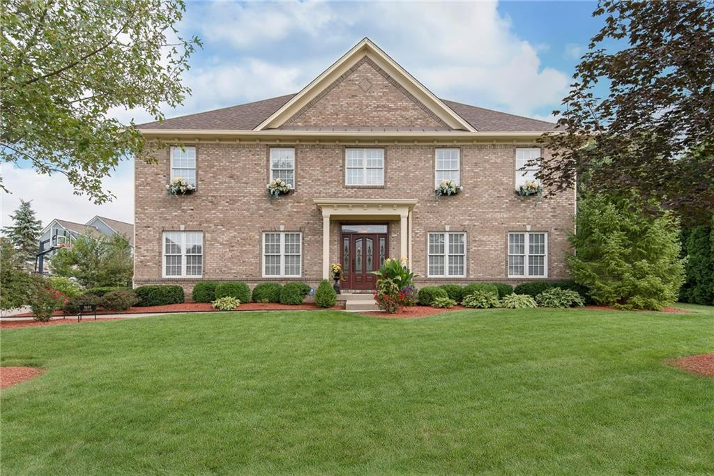 Photo of home for sale at 9699 Winter Way, Zionsville IN