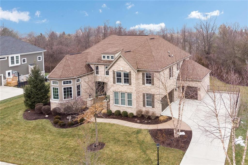Photo of home for sale at 12220 Steepleview Court, Fishers IN