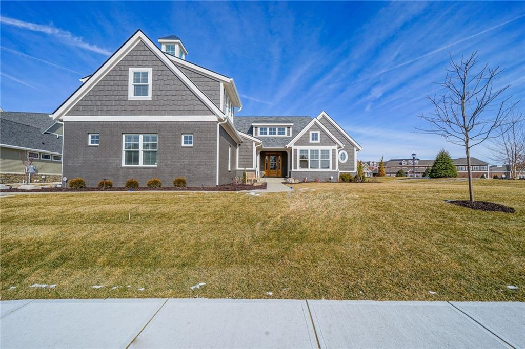 Photo of home for sale at 1096 Chatham Hills Boulevard, Westfield IN